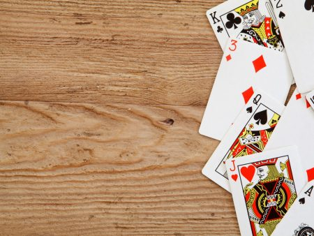 AdobeStock_85533325 - Playing cards